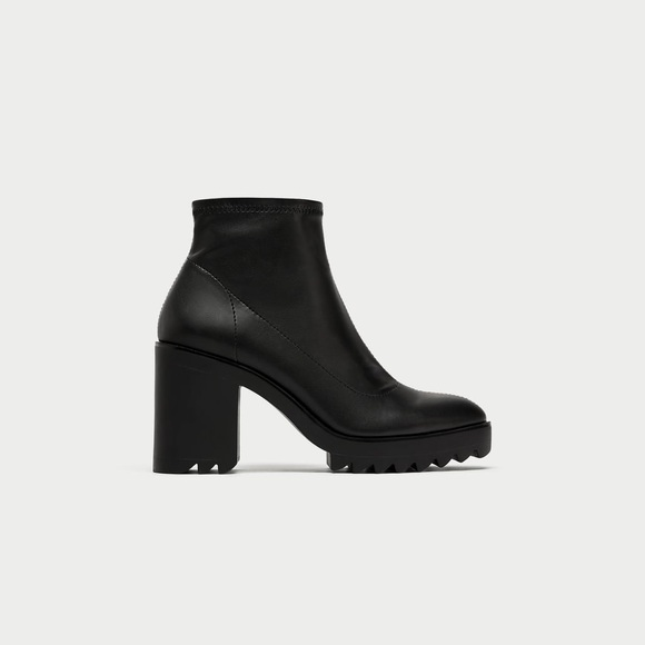 a70fdffa ✨NWOT✨ZARA Sock Style Ankle Boots with Track Sole.  M_5a42b770a4c4855fb306478c